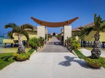 Palafitos Entrance